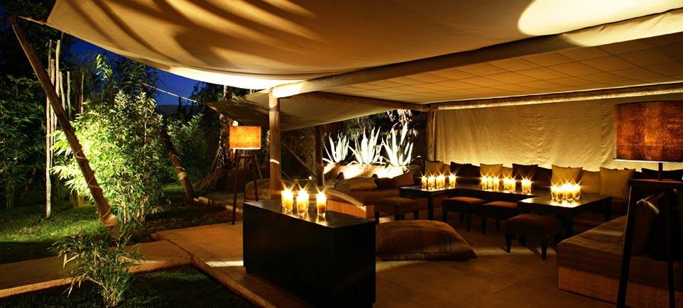 Nuestra selecci n de bares lounge para sus vacaciones en for Bar exterieur paris