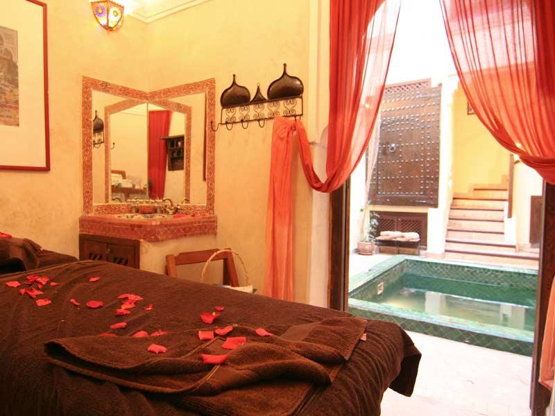 Noche sala de masaje desprotegido