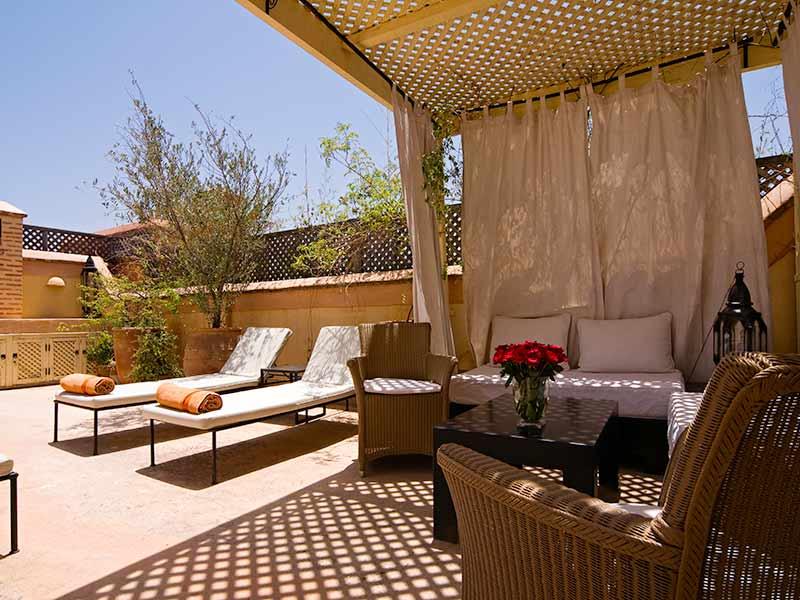 Descubre el hotel riad tzarra en la medina de marrakech for Pergola bioclimatique corse